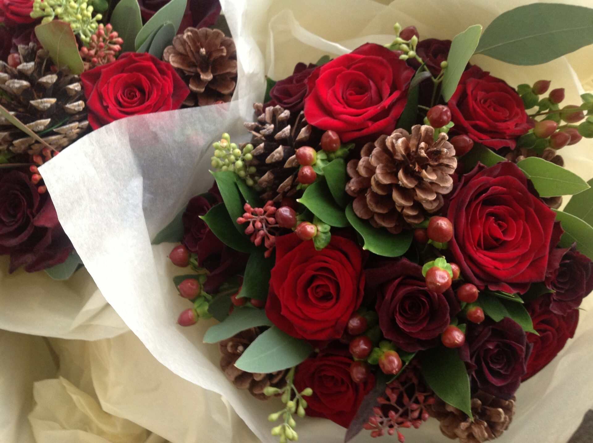 Winter weddings 5 amazing flower ideas warwick house - Red garden rose bouquet ...
