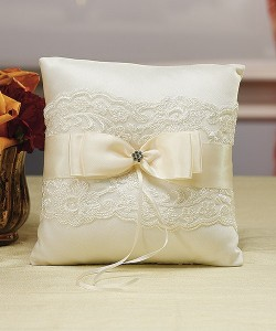 weddingringpillowfrenchlaceivory5003